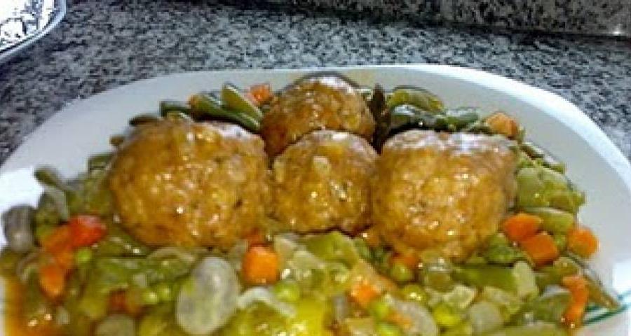 Albondigas Con Verduras Fmdf Receta De Albà Ndigas Caseras Con Menestra Gallina Blanca