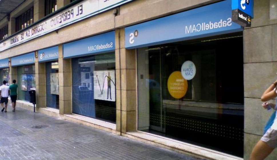 Banco Cam 9fdy Sabadellcam Cierra 300 Oficinas Y Traslada Los Datos De Los Clientes