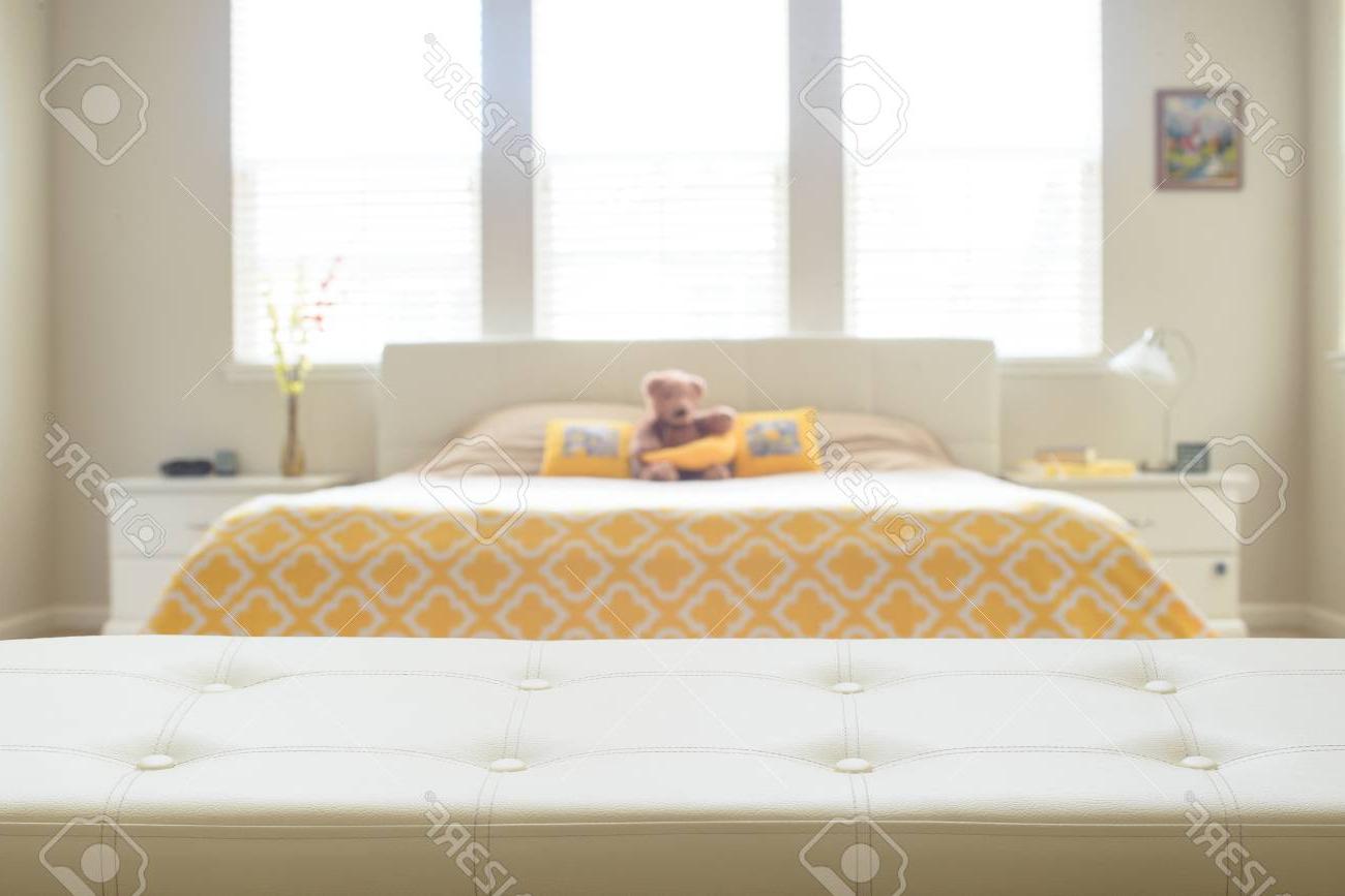 Banco Dormitorio Jxdu Beige Cuero Banco Vacà O En El Dormitorio Fotos Retratos Imà Genes Y