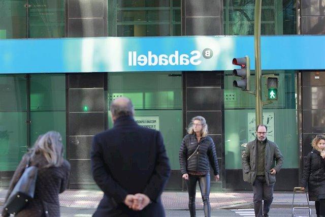 Banco Sabadell Marbella Tldn El 96 De Las Casas De Anà Lisis Re Iendan Prar O Mantener Las Acciones De Banco Sabadell