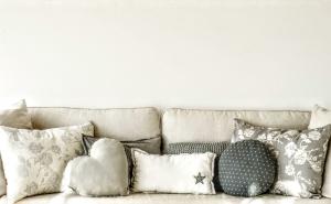Cojines Grandes Para sofas 9ddf O Colocar Cojines En El sofà La Guà A Del sofà Y Tu Descanso