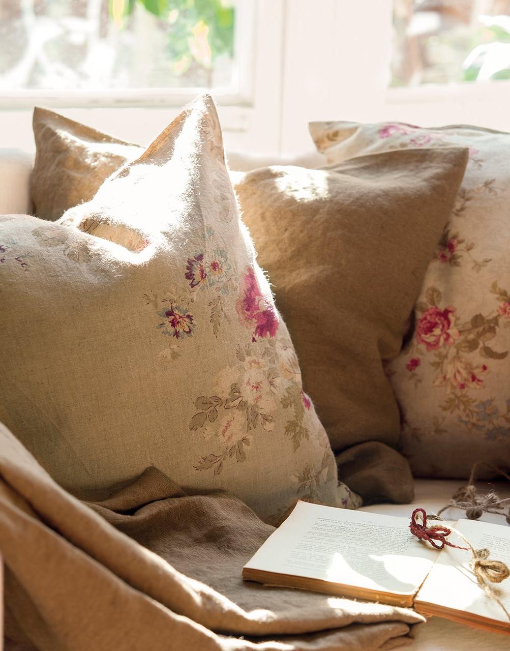 Cojines Para sofa Beige 8ydm El Poder De Los Cojines Un sofà De Revista