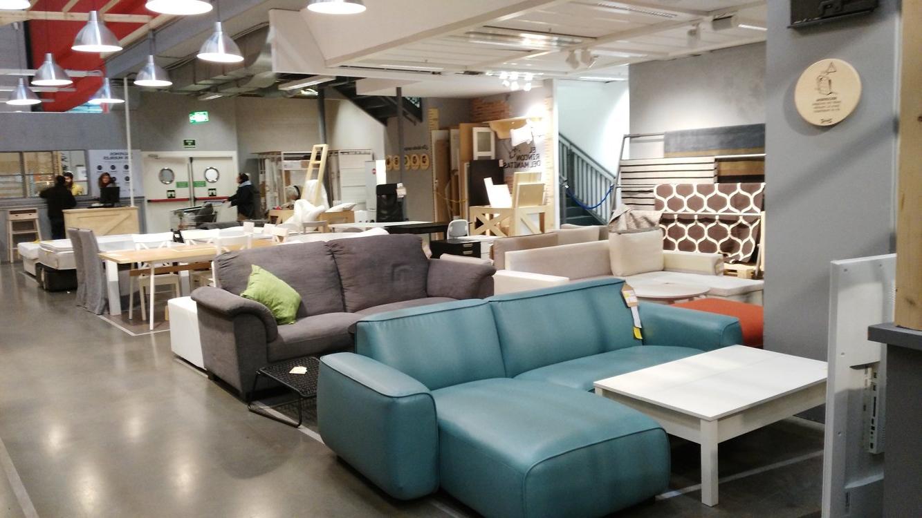 El Desvan Del Mueble Usado 3id6 Ikea Prarà Sus Muebles Usados A Los Clientes Para Pletar Su