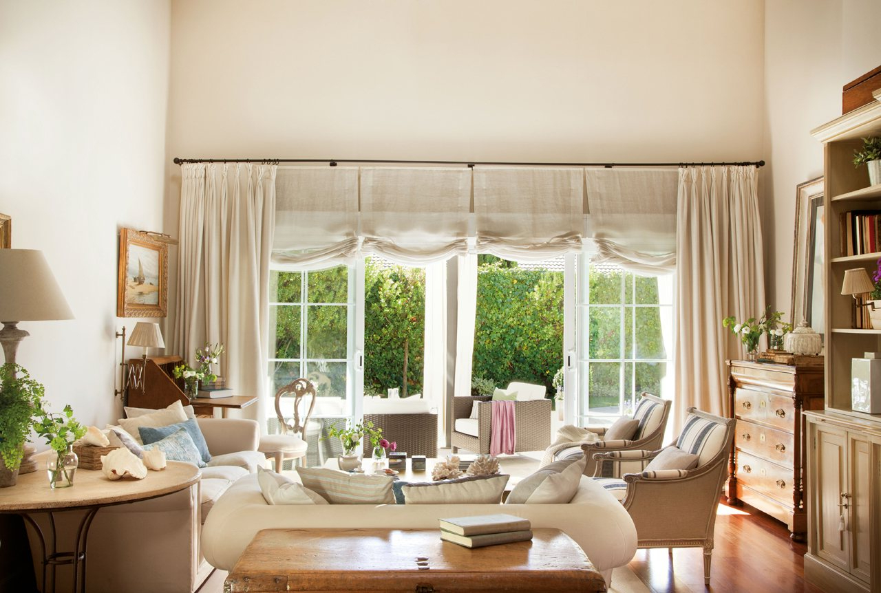 El Mueble Com Nkde Una Casa De Madrid Con Piscina