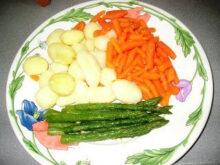 Guarnicion De Verduras Qwdq Zancarron O Morcillo En Salsa Con Guarnicià N De Verduras Al Vapor