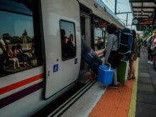 Horario De Trenes Coruña Santiago J7do Renfe Cambia El Lunes Los Horarios De Los Trenes Entre Galicia Y