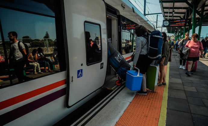 Horario Trenes Vigo Coruña Whdr Renfe Cambia El Lunes Los Horarios De Los Trenes Entre Galicia Y