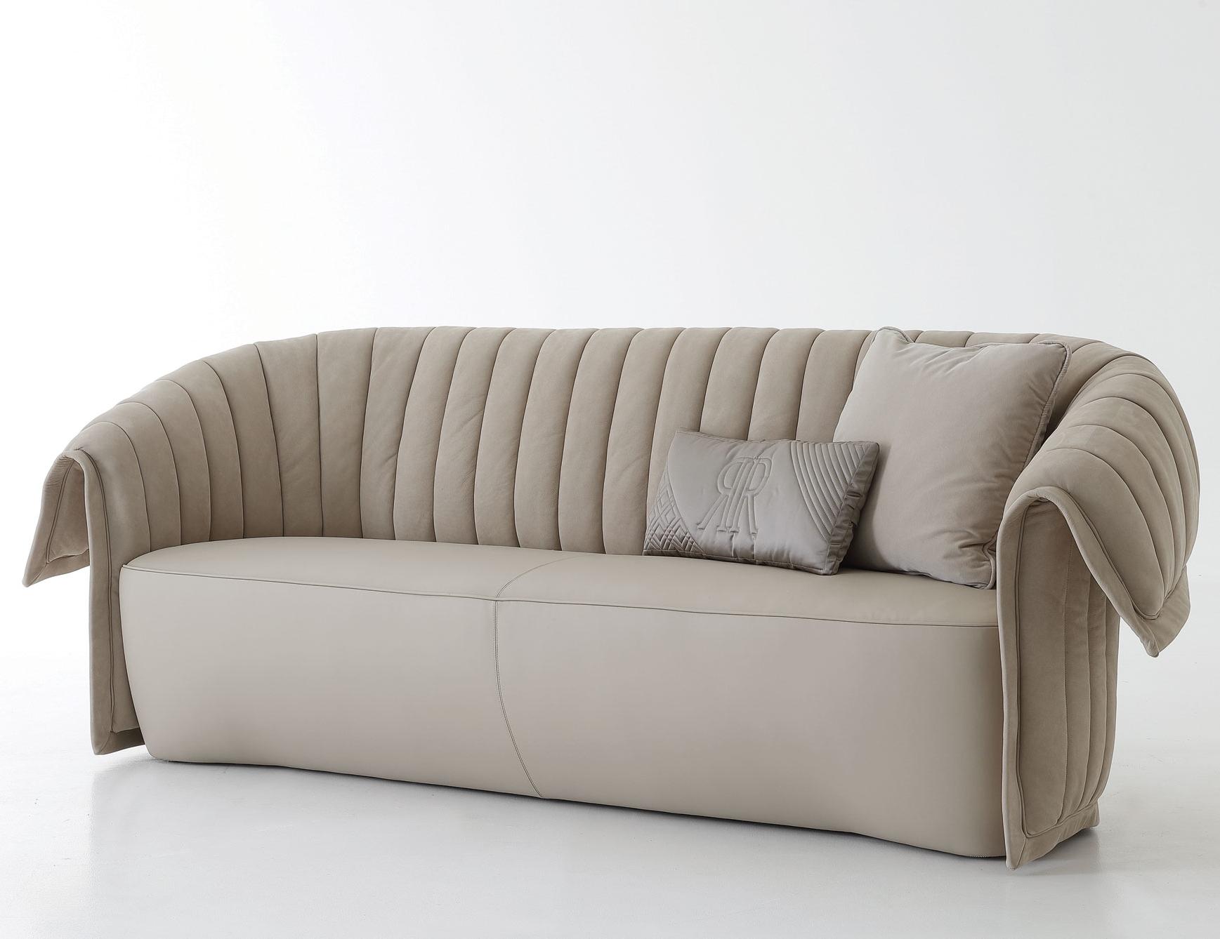Manta sofa Drdp Nella Vetrina Rugiano Manta In Beige Suede Leather sofa