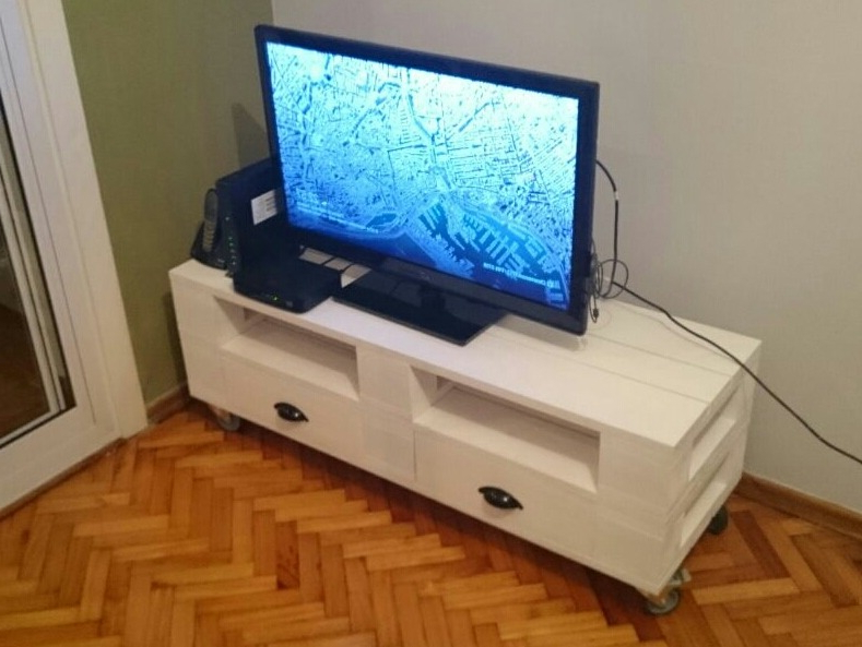 Mesa Tv Palets E6d5 Mesa Tv Simil Palet Con Ruedas O Patas 2 450 00 En Mercado Libre