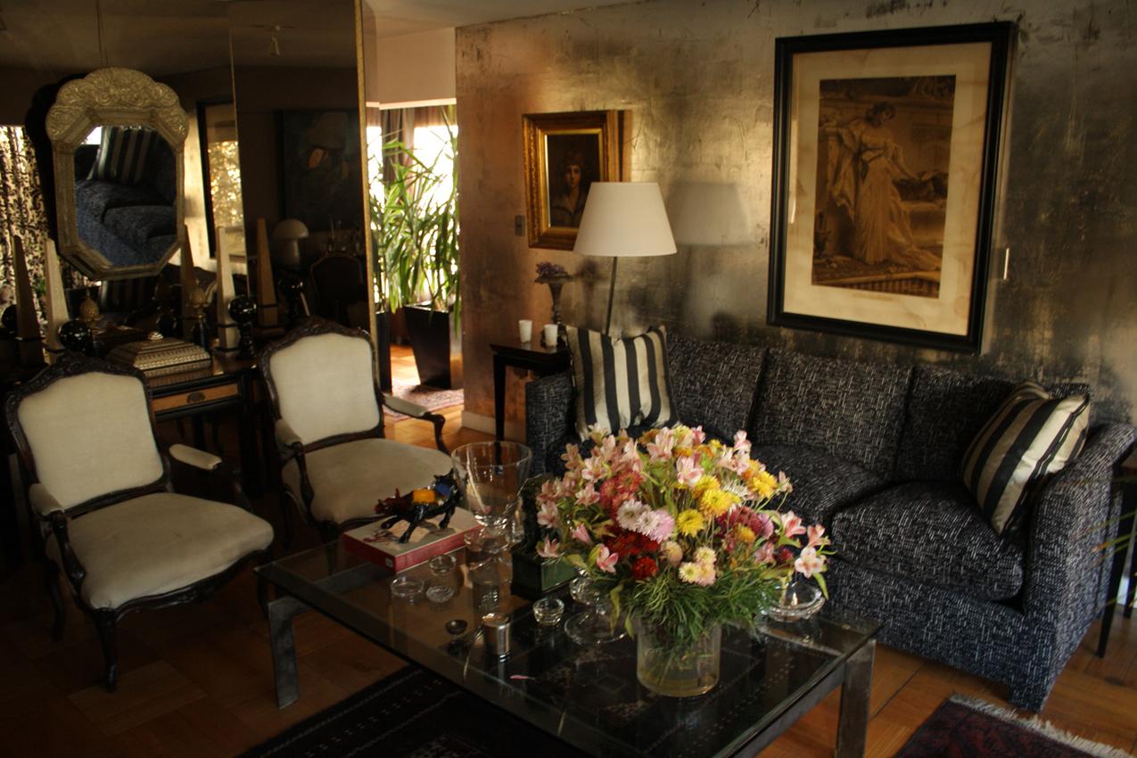 Mesas De Diseño De Cristal Tldn Roomlab Living Con Muros En Plata Y Espejos Decorado Por Angelo