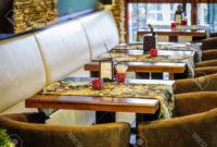 Mesas Restaurante S5d8 Interior Moderno Del Restaurante Con Mesas Y sofà S