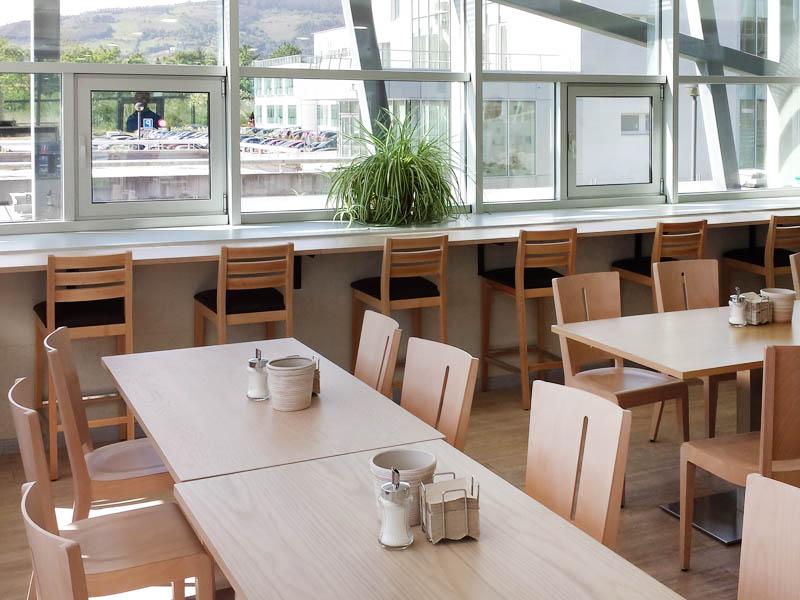 Mobiliario Cafeteria H9d9 Taburetes Sillas Y Mesas Cafeterà A Del Parque Tecnolà Gico Nozal