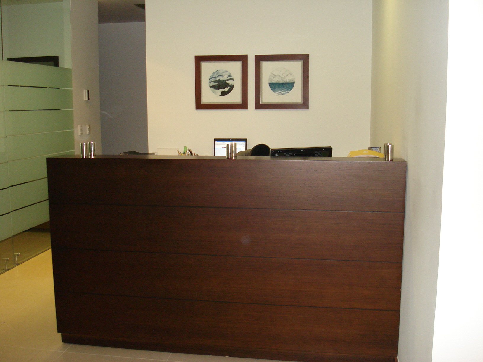 Mobiliario Peluqueria Segunda Mano Wddj Muebles Recepcion Para Clanicas Oficina Baratos Autocad Mobiliario