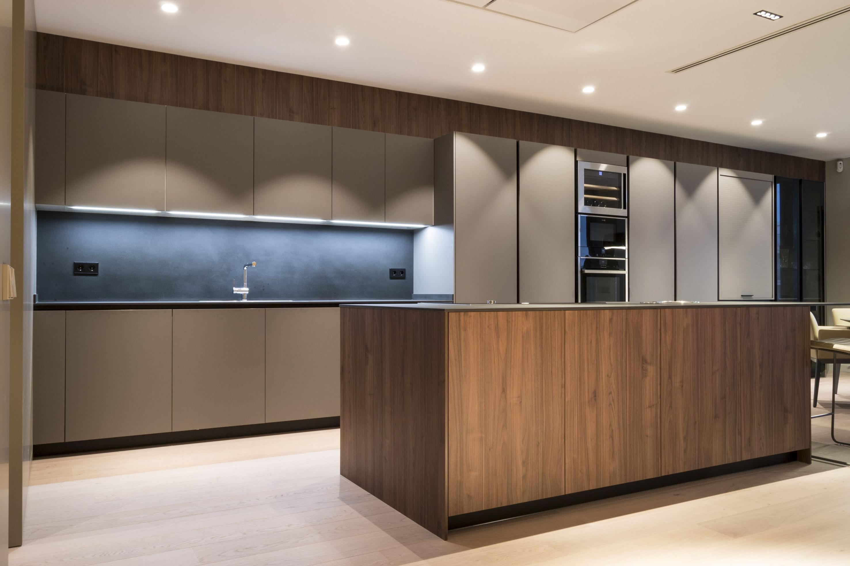 Muebles Gran Via S5d8 Proyecto En Gran Via Cocina Edor Con isla Central Y Extractor
