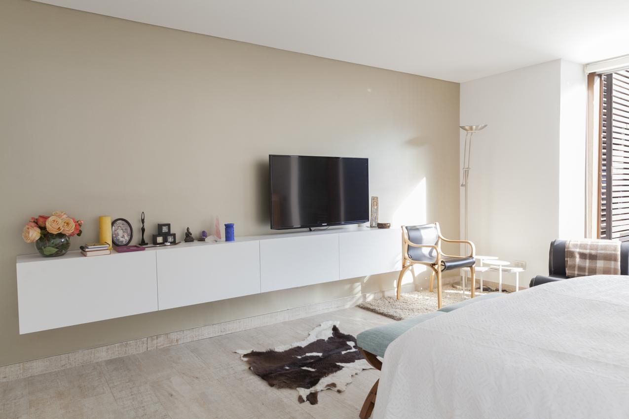 Muebles Tv Diseño Q0d4 Roomlab Dormitorio Con Mueble Estante Mural Para Tv Diseà Ado Por
