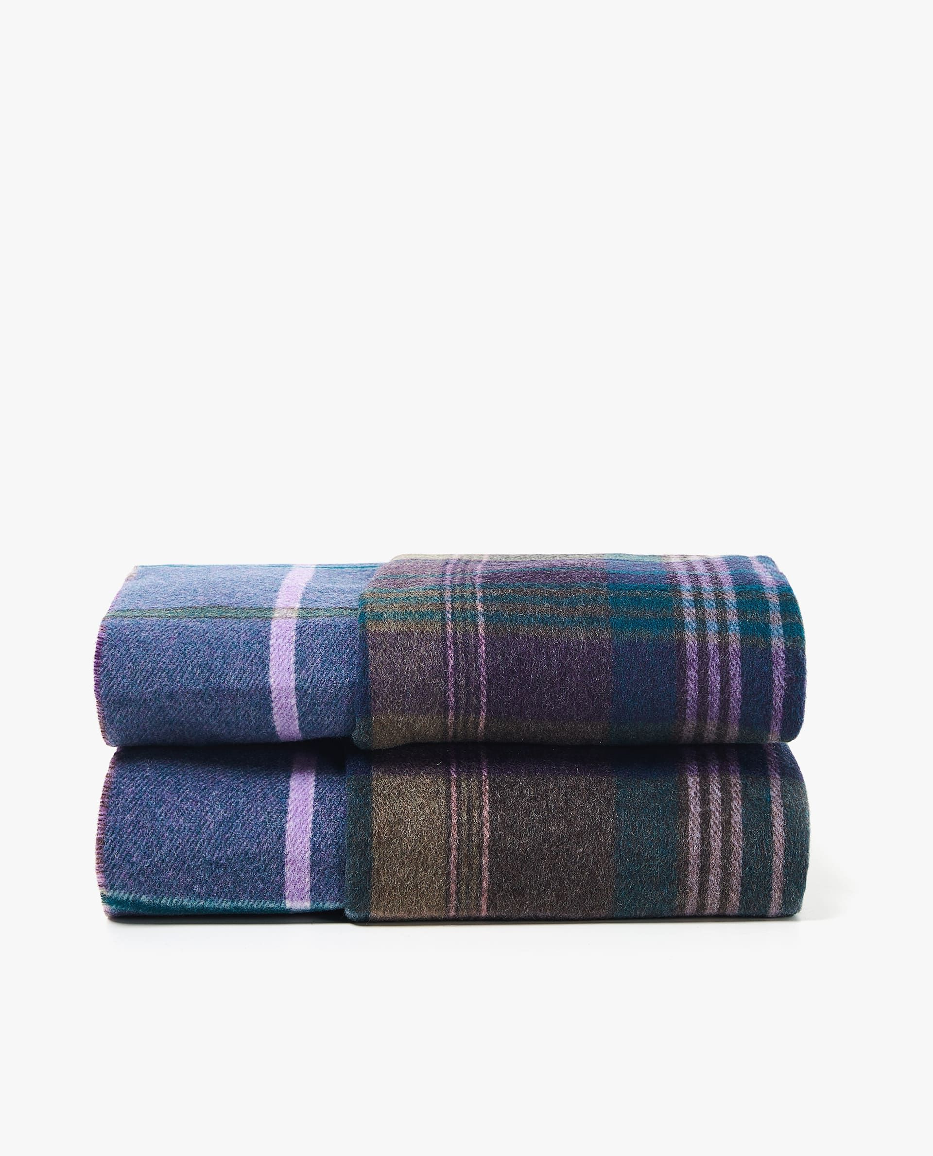 Plaid sofa Zara Home Nkde Best Holiday Decorations From Zara Home Winter Collection 2018