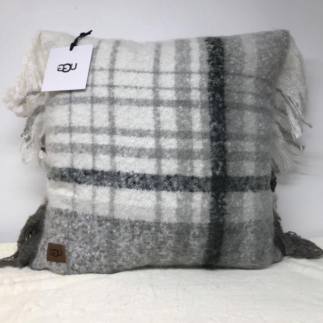 Plaids sofa Zwd9 Ugg Australia Oversized Pillow Throw sofa Bed 20 X 20 Long Beach