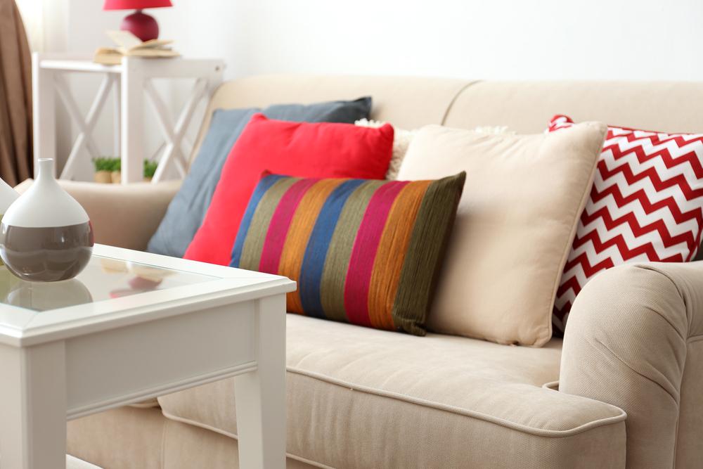 Que Cojines Poner En Un sofa Beige Txdf 3 Tips Para Binar Los Cojines De Tu sofà Favorito Mi