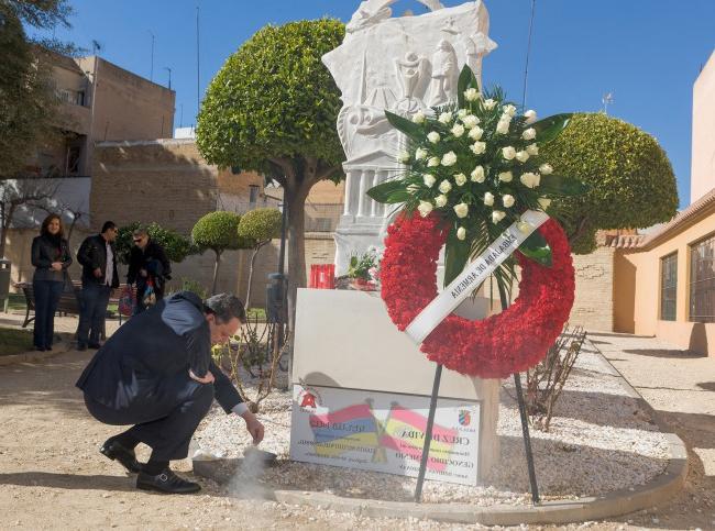 Silla España Dddy Silla Dà Cima Ciudad Espaà Ola En Reconocer Oficialmente El Genocidio