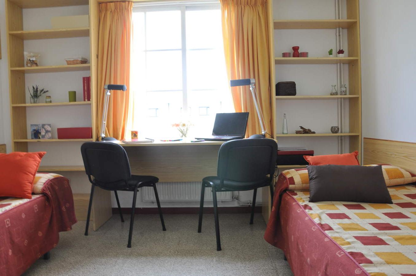 Sofas Coruña Tldn 24 Rúa Polvorà N A Coruà A Spain 2583 Student Mundial