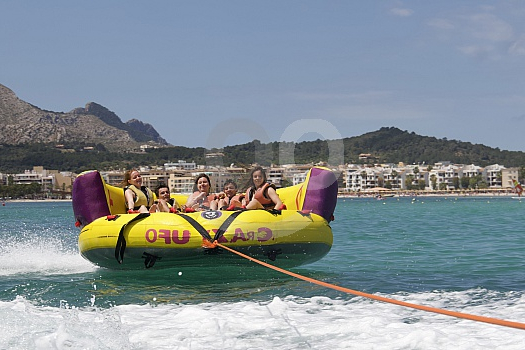 Sofas Mallorca Q0d4 Water Games In the Bay Of Alcudia Sunbonoo