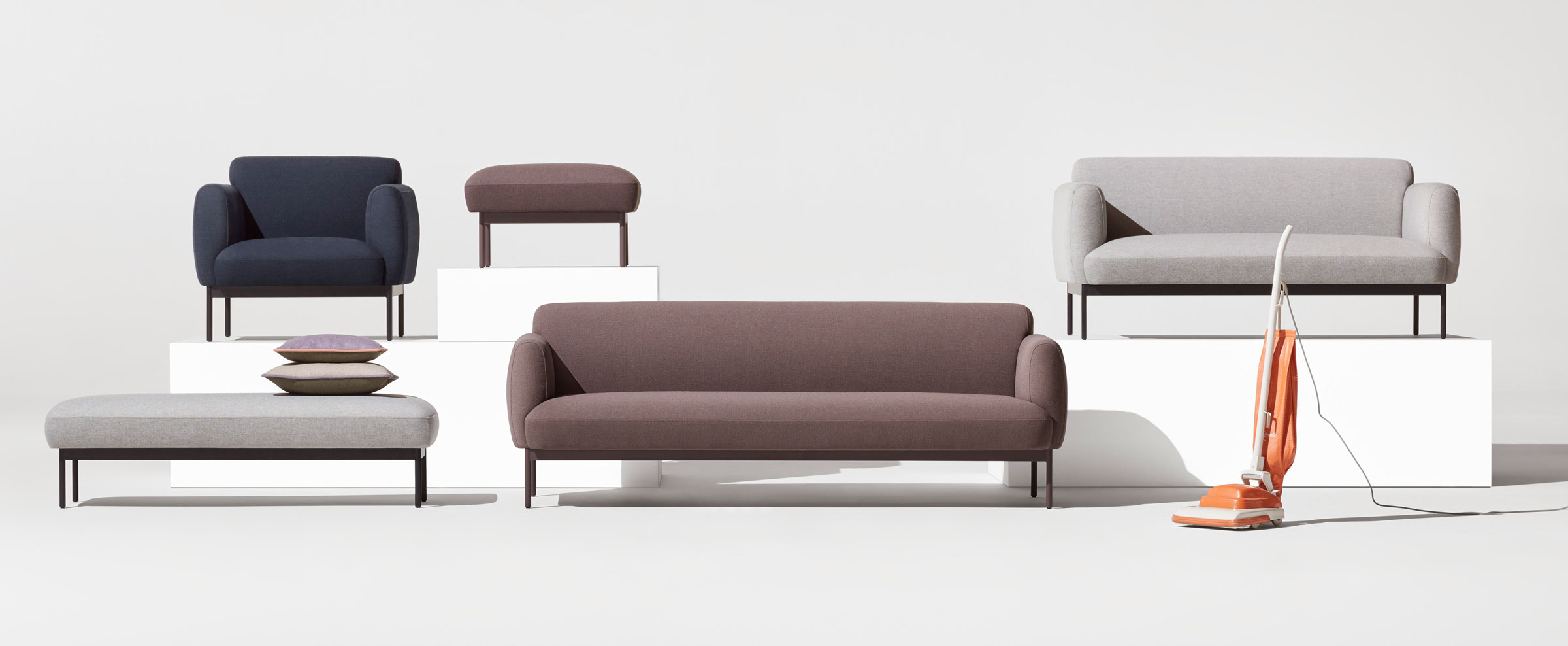Sofas Puff Etdg Puff Puff sofa Contemporary Uphosltered sofa Blu Dot