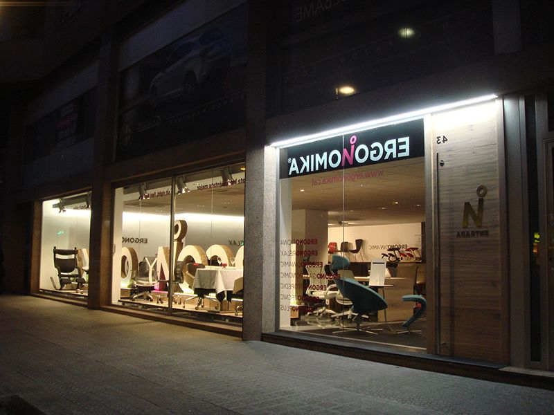 Tiendas De Sillas En Barcelona D0dg La Primera Concept Store De Ergonomà A Llega A Barcelona Notas De