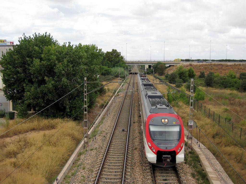 Tren Silla Valencia Etdg Tren De Cercanà as De Renfe Là Nea C 1 à C 2 A Su Paso Por Flickr