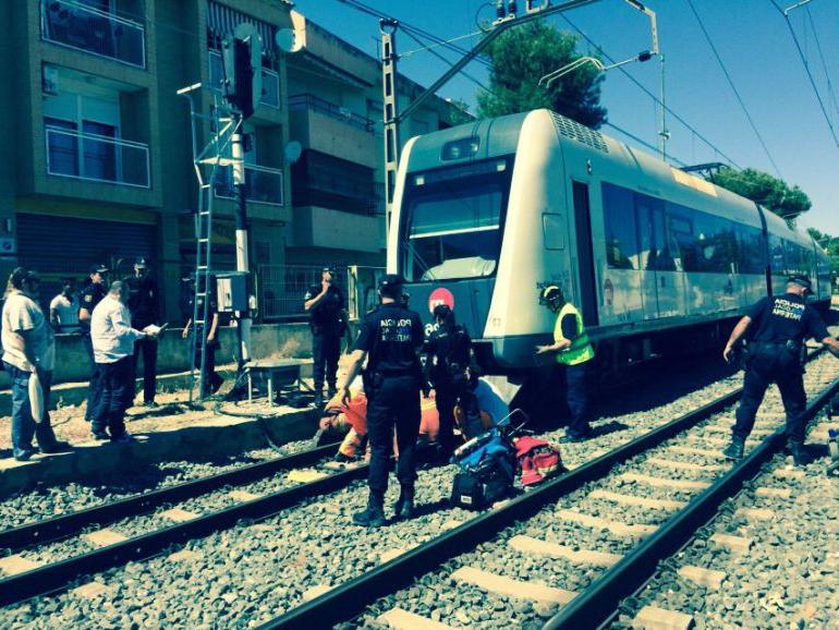 Tren Silla Valencia Fmdf Un Pasajero Con Silla De Ruedas Es Arrollado Por Un Tren De Fgv