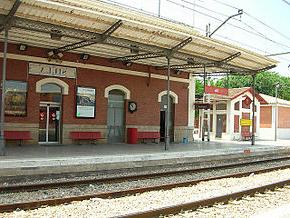 Tren Silla Valencia Irdz Estacià N De Silla Wikipedia La Enciclopedia Libre