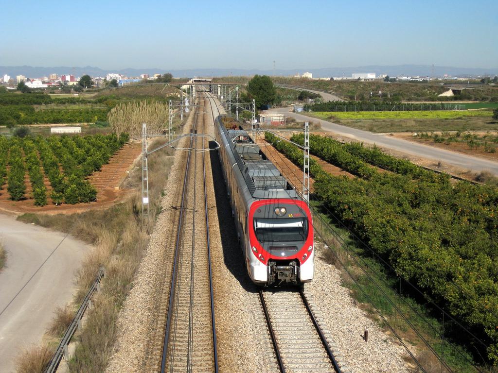 Tren Silla Valencia S1du Tren De Cercanà as De Renfe Là Nea C 1 A Su Paso Por Silla Flickr