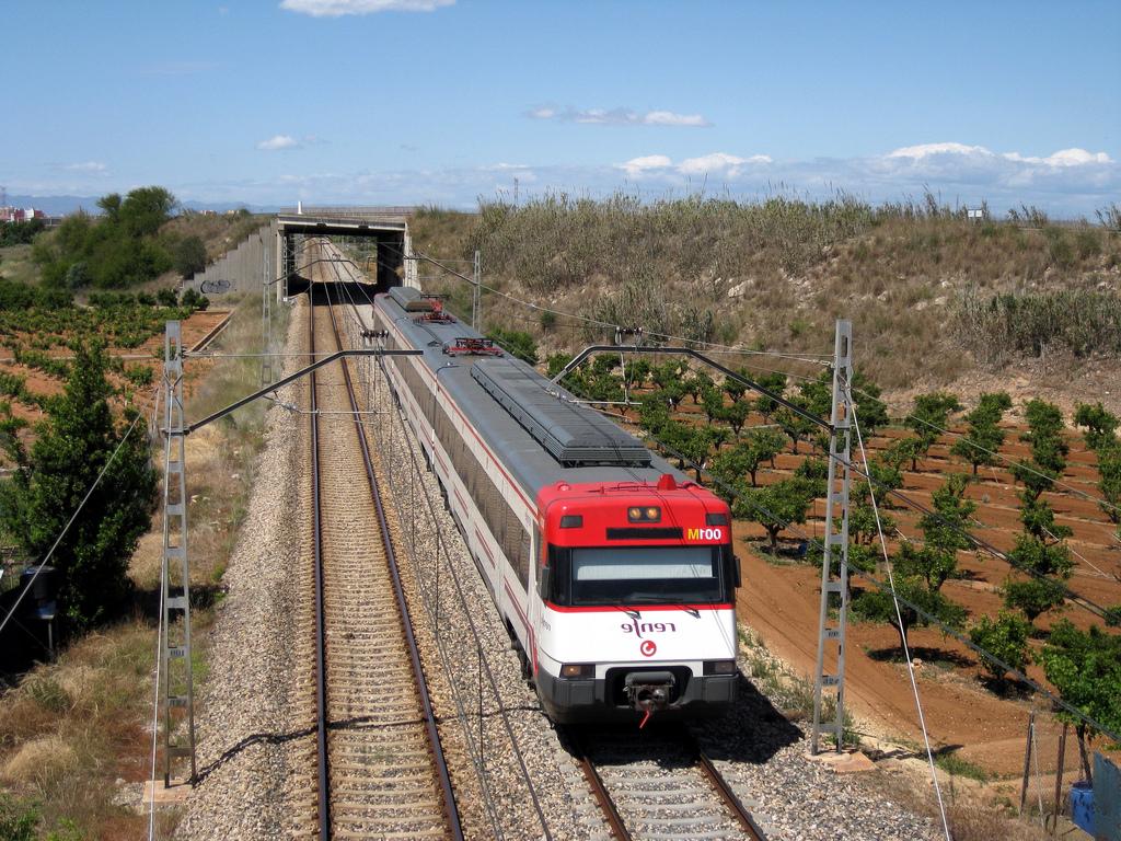 Tren Silla Valencia Y7du Tren De Cercanà as De Renfe Là Nea C 1 A Su Paso Por Silla Flickr